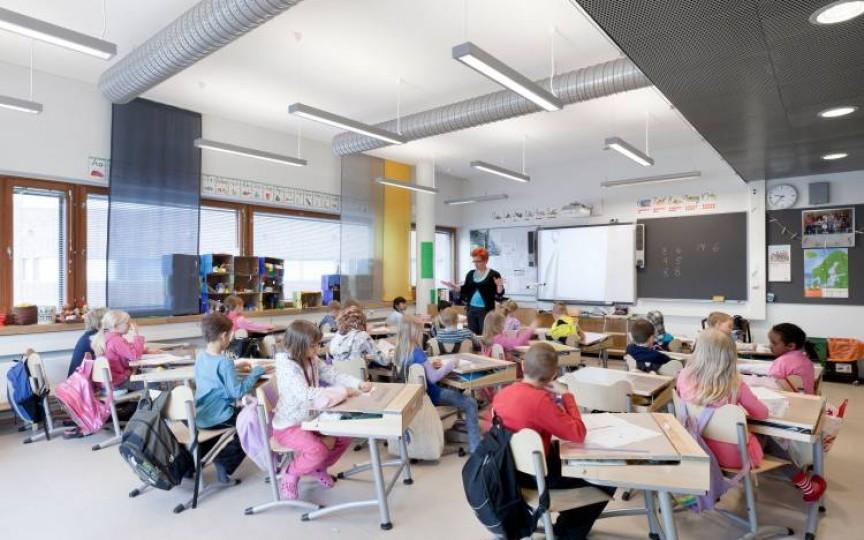 Șocul unei mame imigrante care a mers cu copilul în clasa I în Finlanda: fără careu și flori