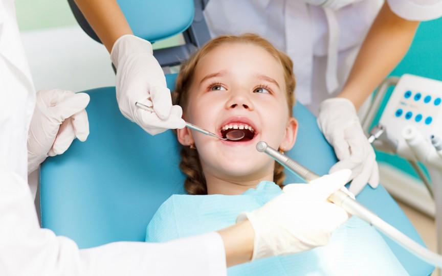 Este fluorizarea o metodă inofensivă pentru sănătatea copiilor noștri?