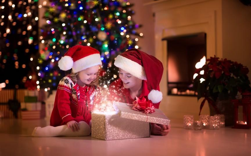 De sărbători, copiii au nevoie de MIRACOLE! Vezi cum îl poți face să creadă în ele