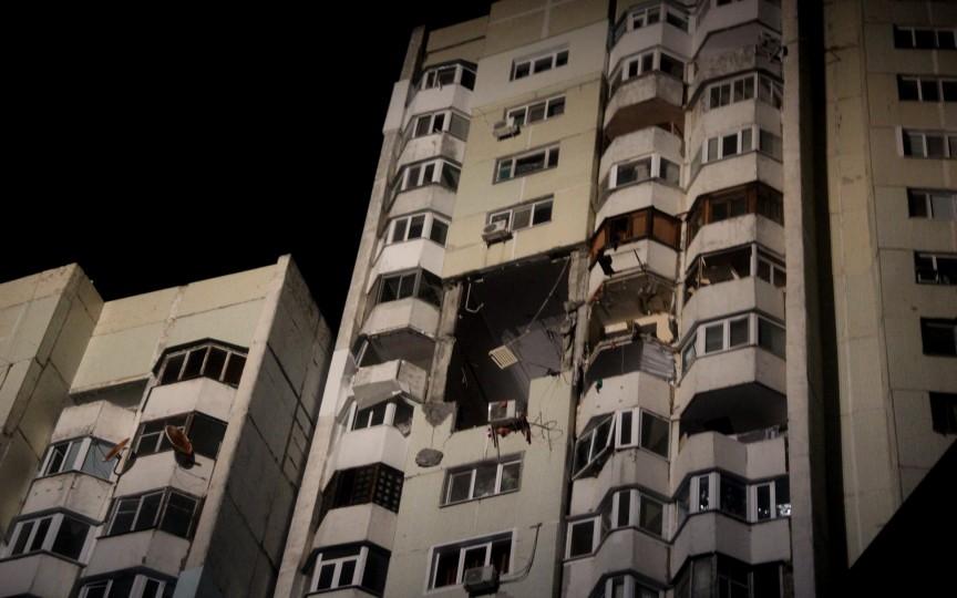 (FOTO) Explozie într-un bloc din Chișinău – 3 persoane au murit, inclusiv un copil