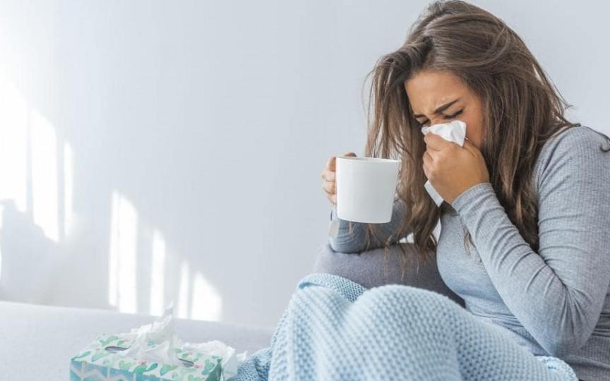 8 remedii naturiste pentru răceală și gripă