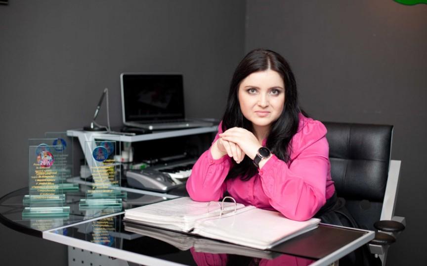 Eugenia Andrieş-Carabut: Eva e muza mea