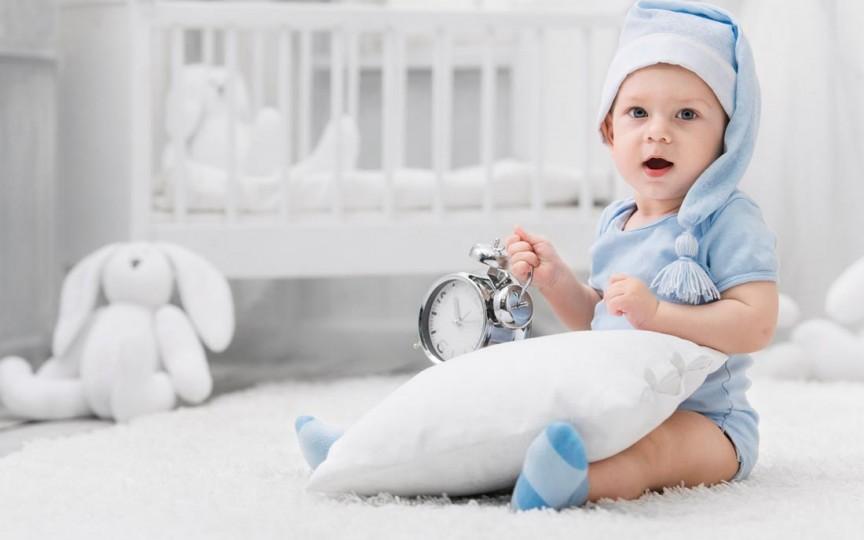 De când putem pune copilul pe pernă?