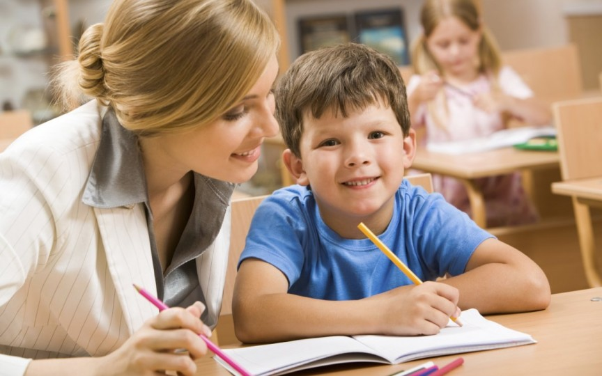 Nu exagerați cerându-le copiilor să învețe cât mai bine!