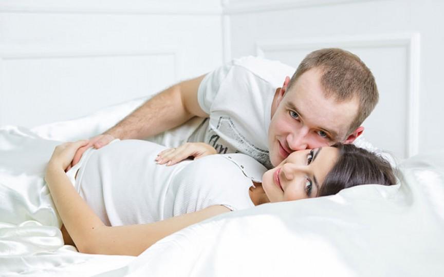 Ce simte copilul din burtică atunci când părinții lui fac dragoste?