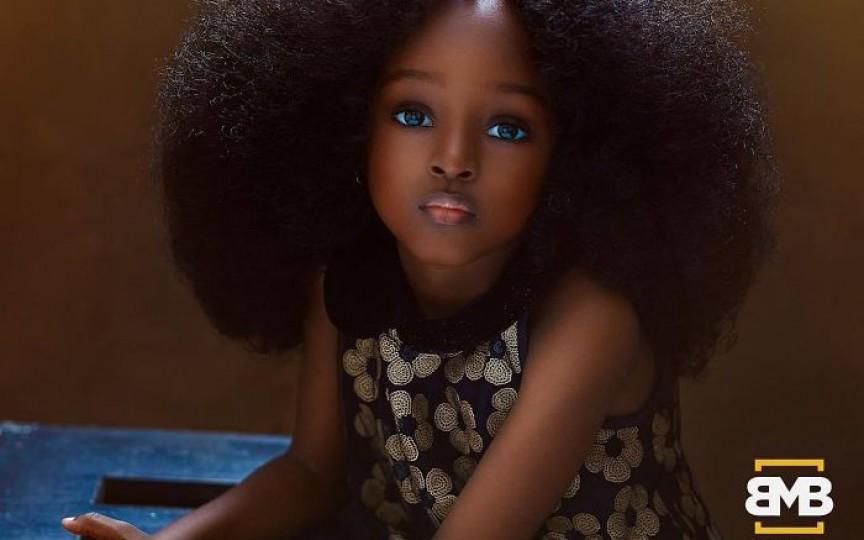 (FOTO) O fetiță de 5 ani din Nigeria a cucerit internetul fiind considerată cea mai frumoasă din lume