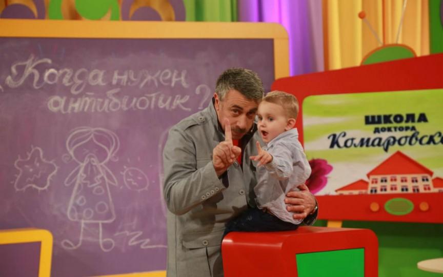 Evgheni  Komarovskiy vorbește despre spălăturile nazale cu săpun aplicate copilului