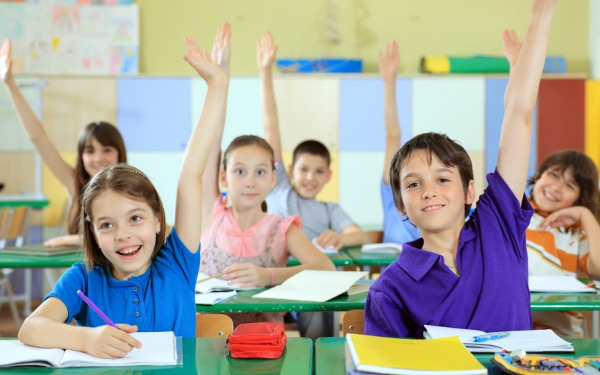 6 metode simple de a-ți ajuta copilul să aibă succes la școală