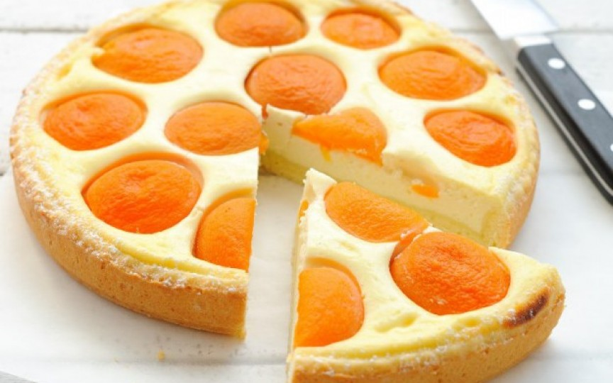 Cel mai delicios cheesecake cu caise, ușor de preparat