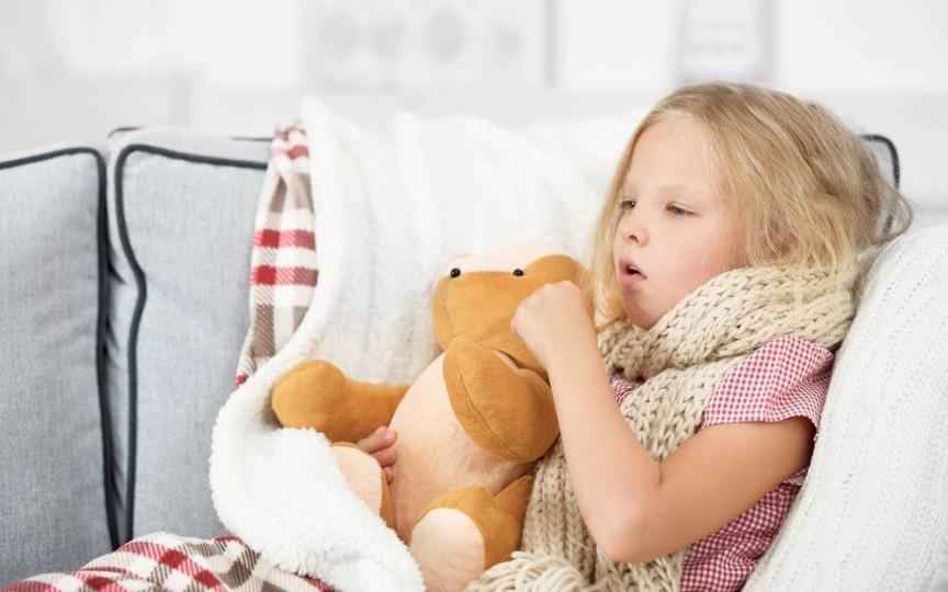 Medic: Tusea după răceală la copii e deseori un semn de vindecare, nu de agravare a virozei!