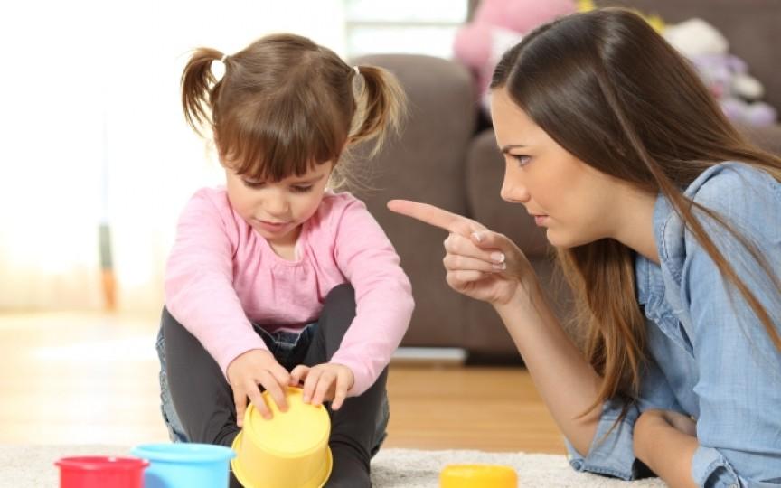 6 moduri de a-i răspunde corect copilului în situații de criză
