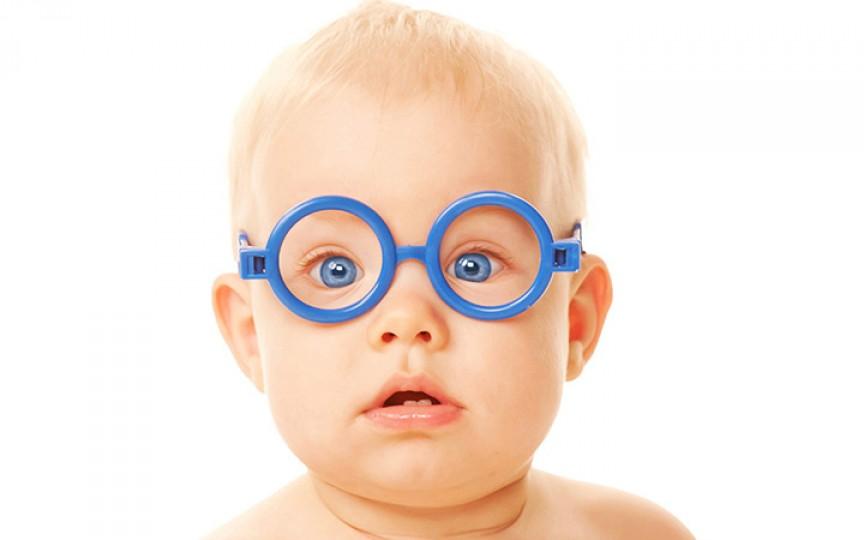 Prima vizită la oftalmolog cu bebeluşul tău