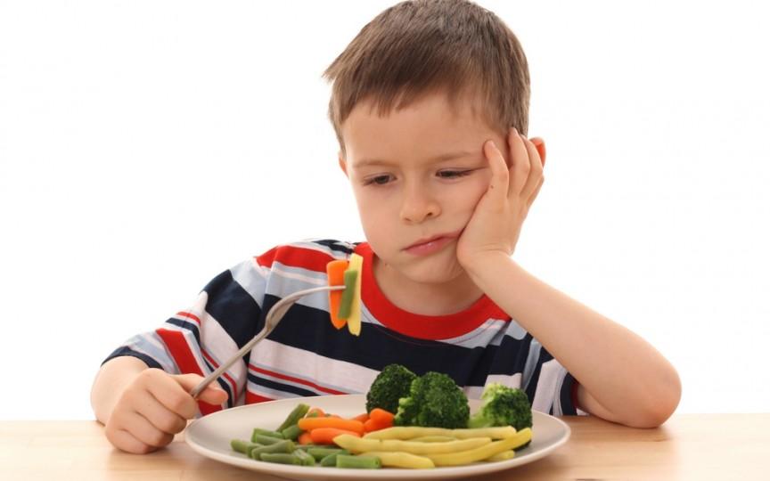 Cu ce greşim când îi hrănim