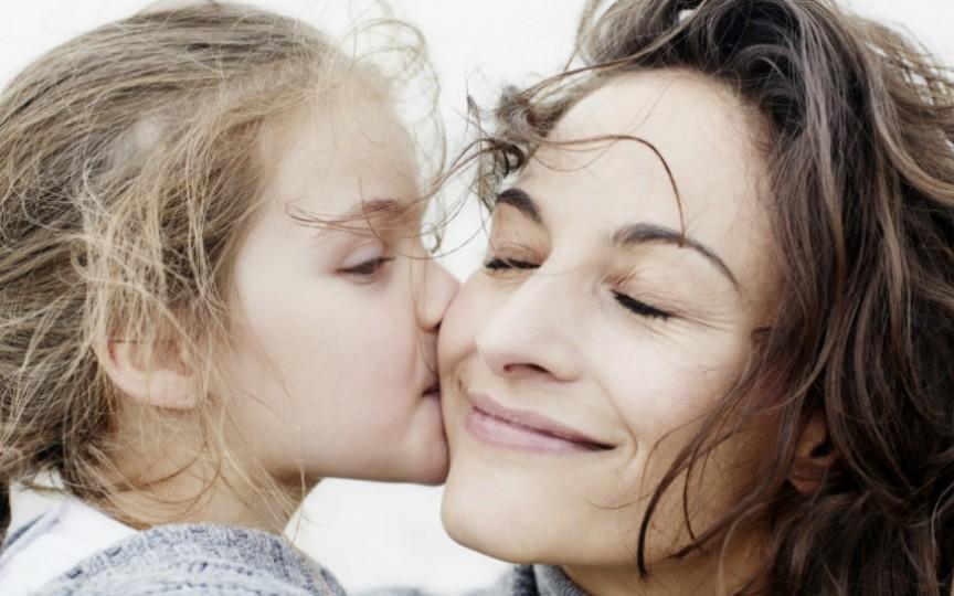 Cum să îți convingi organismul să secrete hormonul iubirii
