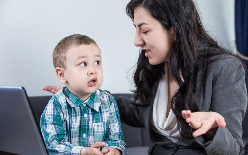 10 sugestii cum poți să le răspunzi copiilor la întrebările lor incomode