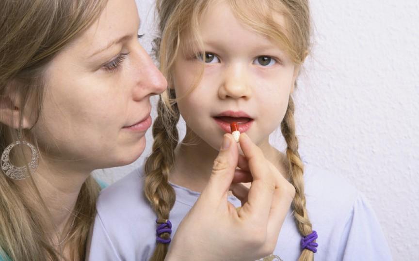 Pericolul la care se expun copiii și maturii care iau frecvent antibiotice