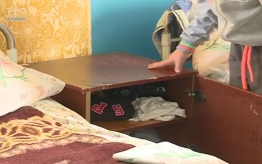 Condiții deplorabile într-o tabără din Ungheni, unde se odihnesc 300 de copii