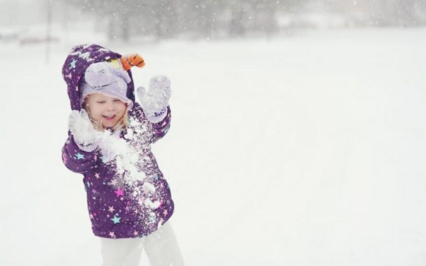 Joaca în zăpadă- sfaturi pentru părinți!