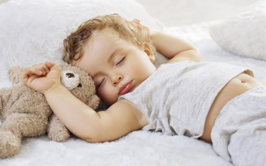 Cât de important este somnul de la amiază pentru copii