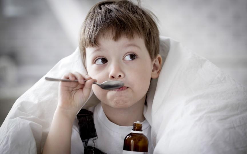Ce greșeli fac părinții atunci când tratează tusea la copii. Sfaturi de la Dr. Komarovsky