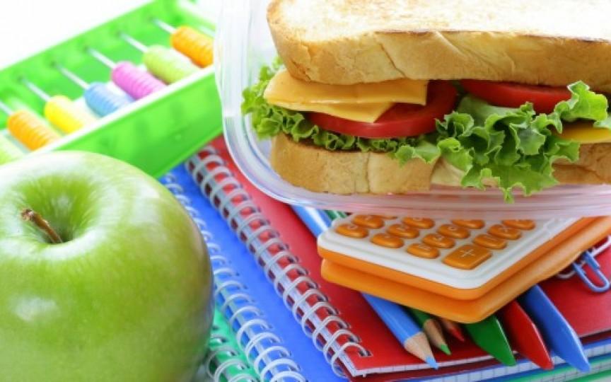 Medic nutriționist: Idei de gustări sănătoase pentru pachețelul de la școală