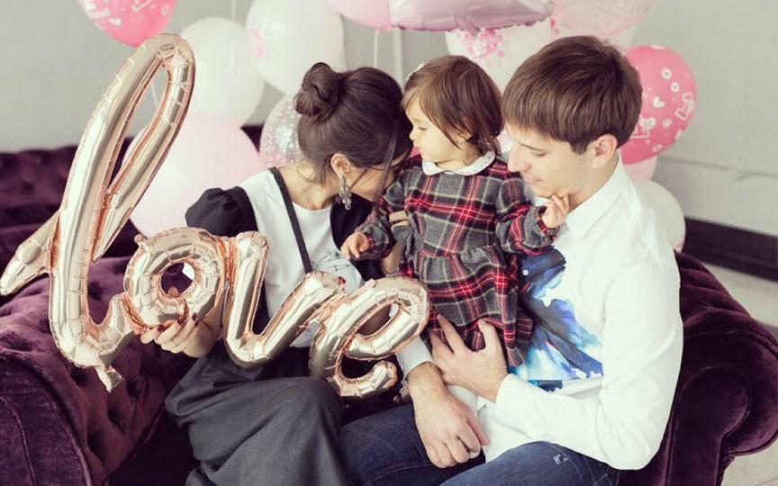 Elena Bivol ne surprinde cu noi fotografii de la prima aniversare a fetiței sale