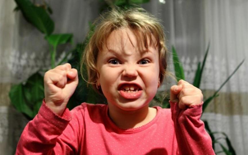 Accesele de furie la copii, explicate de psiholog