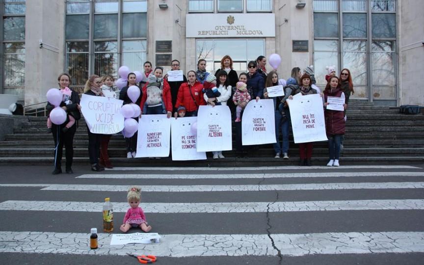 Părinții solidari organizează un nou protest împotriva vacanțelor în grădinițe