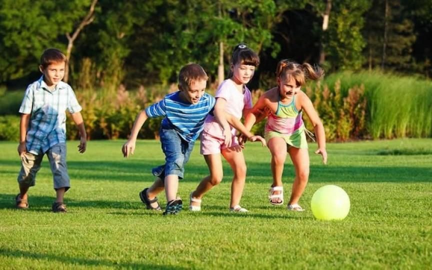 Jocurile afară - un lux al copilului modern