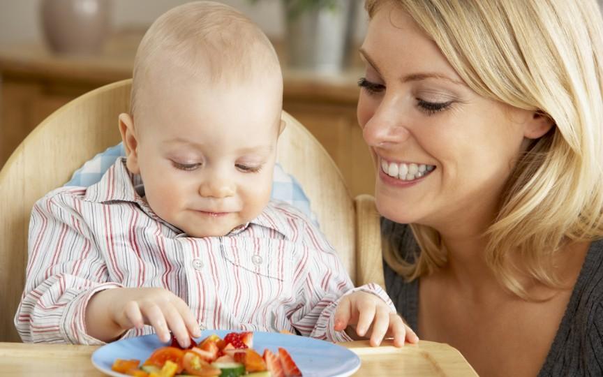 6 alimente sănătoase recomandate bebeluşilor până la 1 an