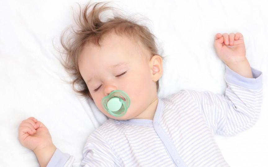 De ce bebeluşul meu nu doarme?