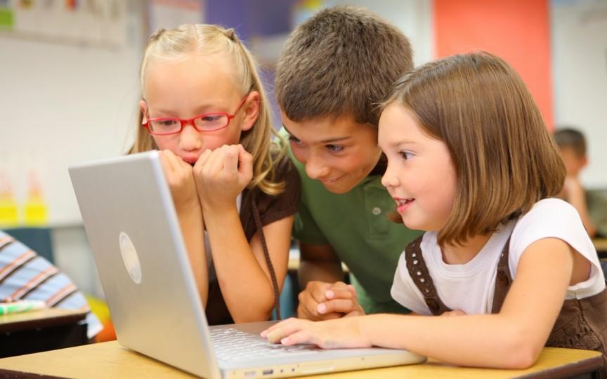 Limitează accesul copiilor la site-urile periculoase. Află cum o poți face!