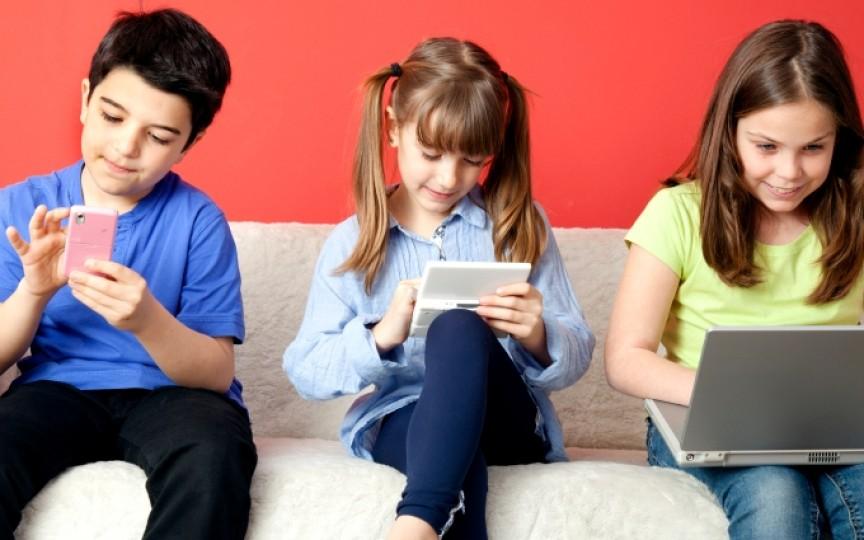 Experiment: Ce se întâmplă când copiii nu au acces la Internet o zi întreagă