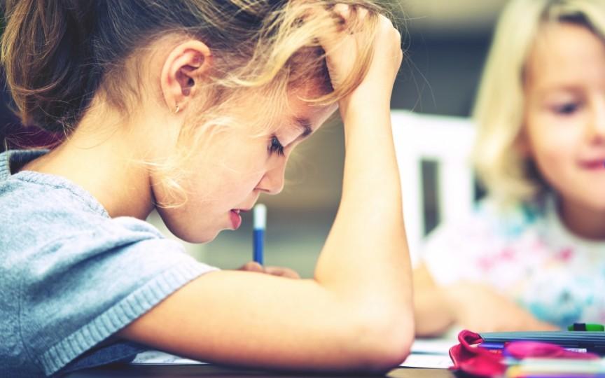 Sindromul copilului cuminte nu este un mit și face victime, afectând dezvoltarea copiilor
