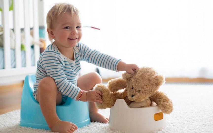 Medic pediatru despre antrenamentul la oliță: Sunt extrem de importante exemplul familiei și explicațiile pe care le primește copilul