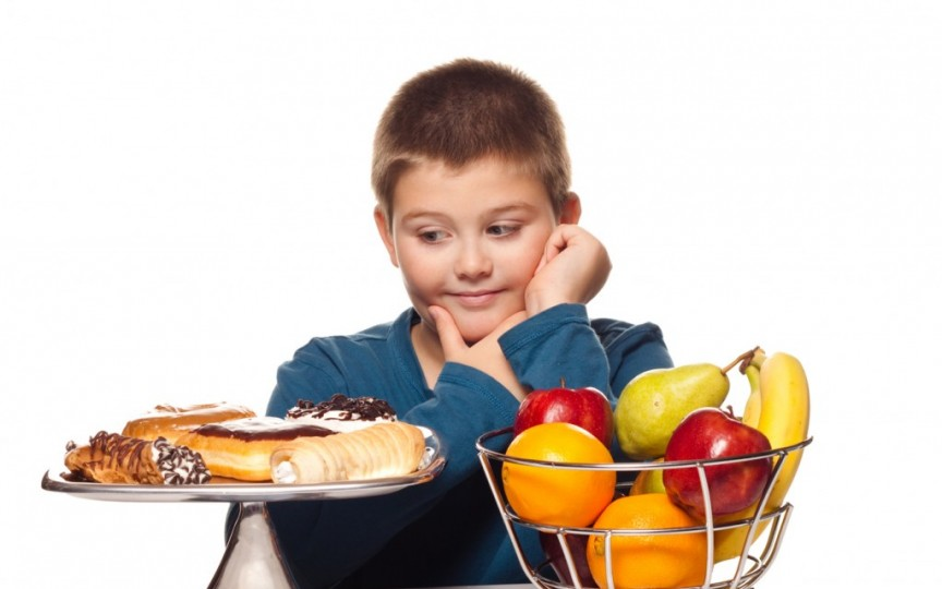 Top 6 greşeli în alimentaţia copiilor, care scad performanţele școlare