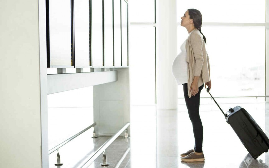Condițiile de călătorie cu avionul pentru femeile însărcinate