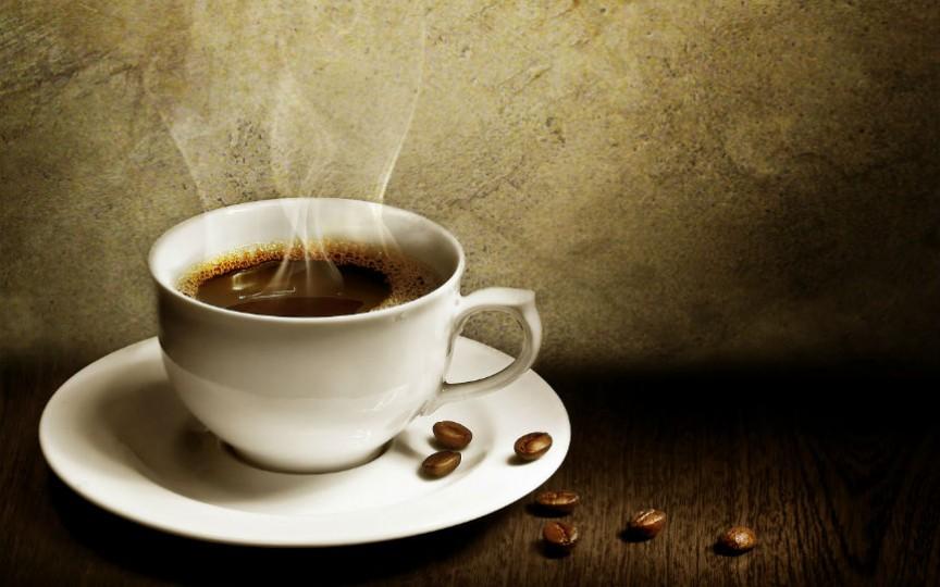 Consumul de cofeină în timpul sarcinii și alăptării