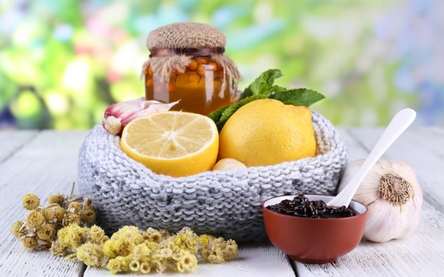 10 ceaiuri care îți vor salva familia de gripă și răceală
