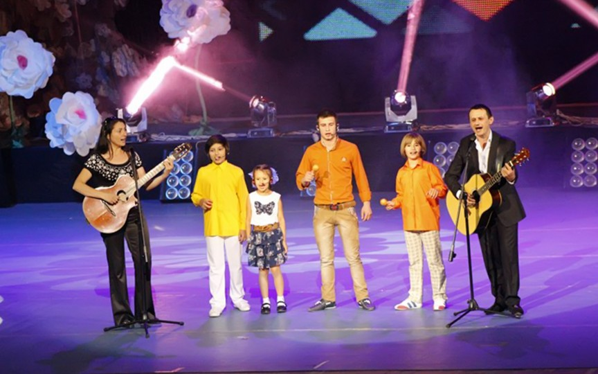 Interpretul Viorel Burlacu despre cei patru copii ai săi