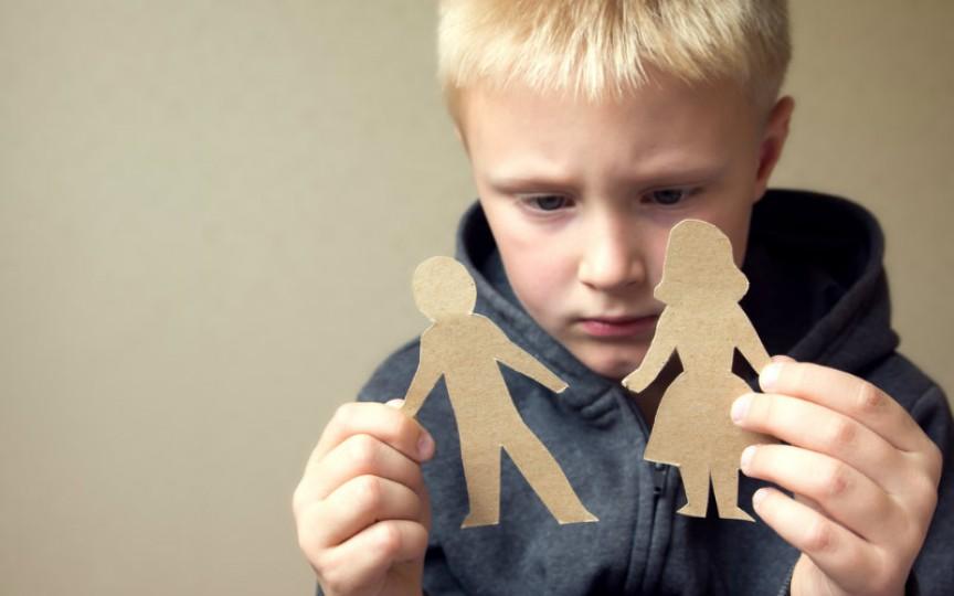 Copiii cu părinți divorțați, mai predispuși la îngrășare