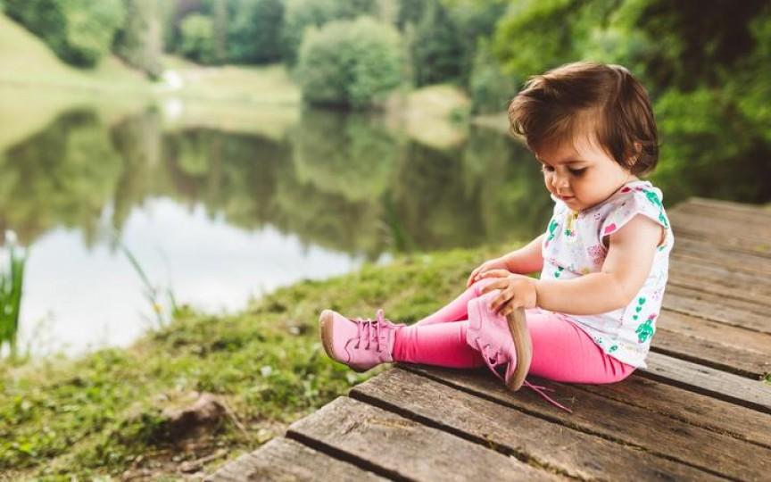 Cum alegem încălţămintea pentru copii - 8 sfaturi de la medicul ortoped