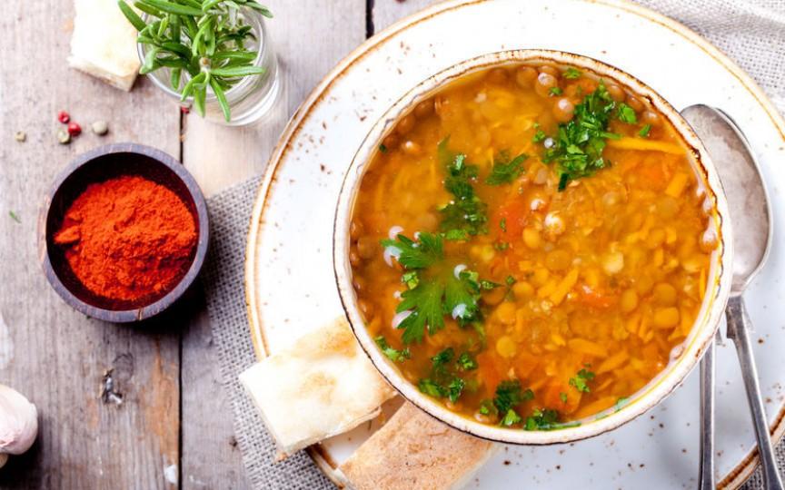Supă de linte și morcovi – mâncare de post, dar cu multe proteine