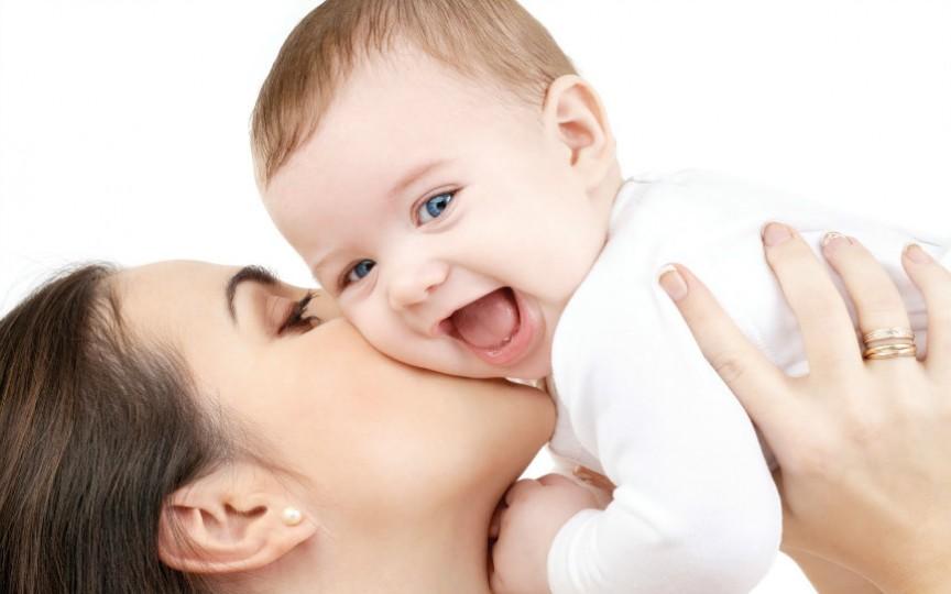 Gravidele, femeile care au născut recent și cele care alăptează vor fi avantajate la locul de muncă