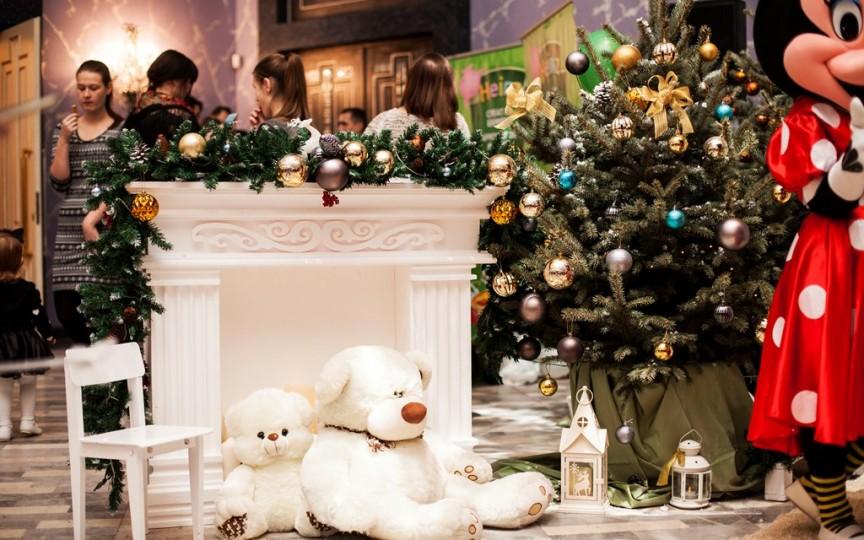 Decorul de Crăciun – de la necesitate la tendință