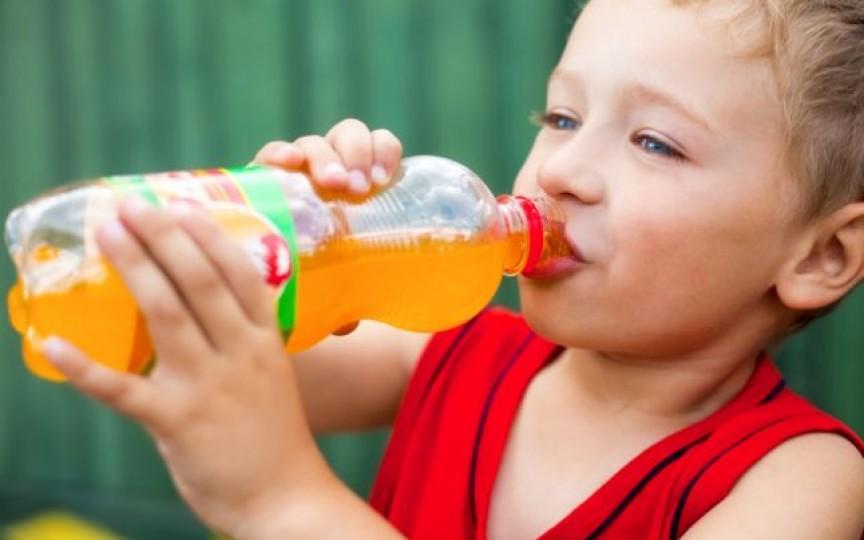 Sucurile carbogazoase le pot provoca pietre la rinichi copiilor