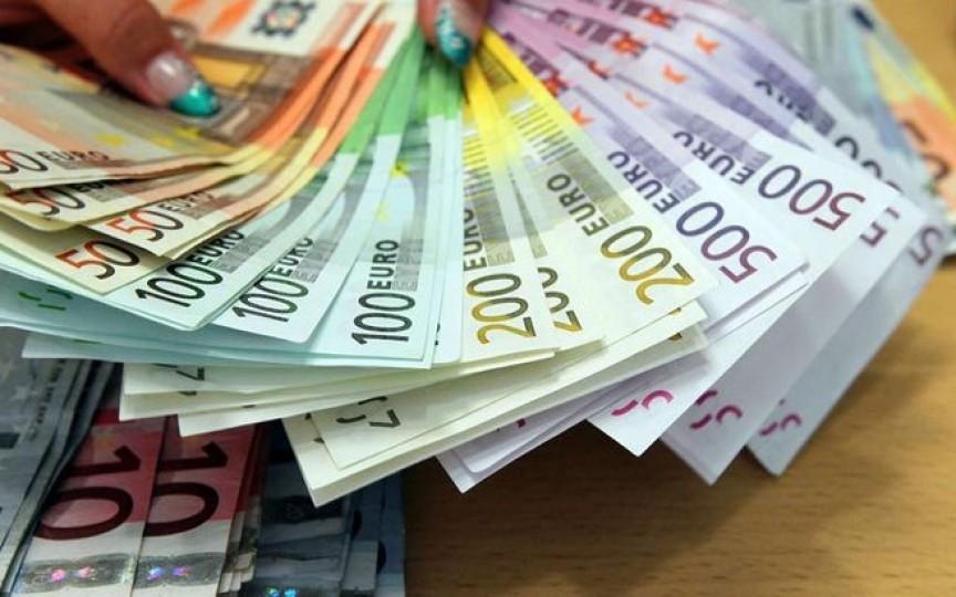 O moldoveancă a primit 200 de mii de euro moștenire de la un bătrân Italian pe care l-a îngrijit