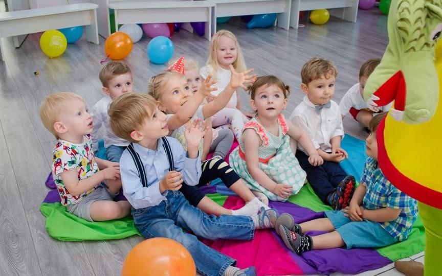 Locul perfect unde copiii pot socializa și realiza diferite activități interesante