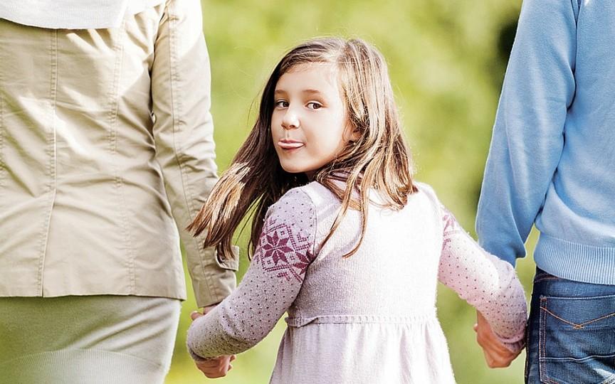 Top 4 semne care îți arată că copilul tău trebuie să socializeze mai mult