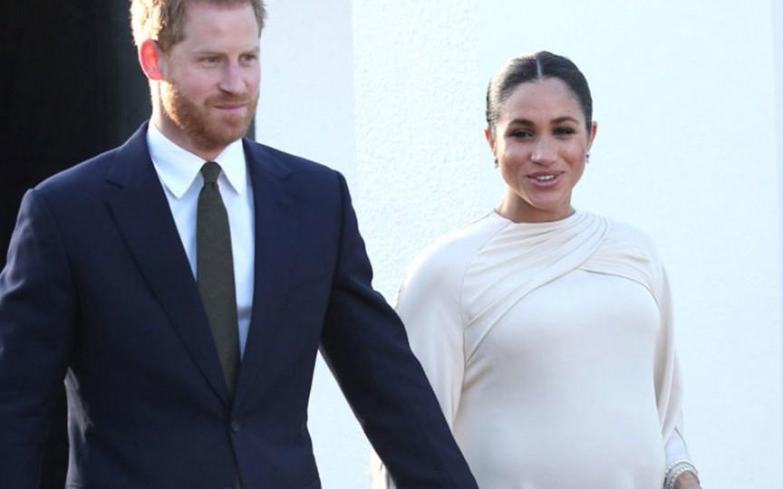 Meghan Markle vrea să nască acasă, la fel ca Regina Elisabeta